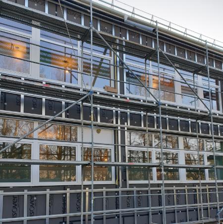 Renovuojamo namo vėdinamo fasado šiltinimo įrengimas ISOVER